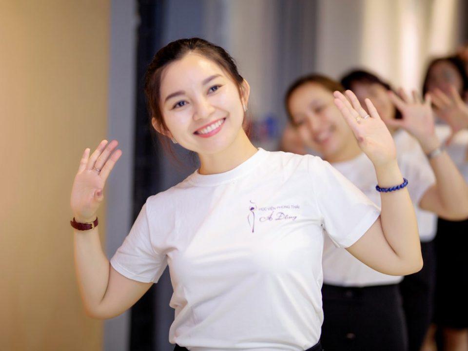 nụ cười - học viện phong thái Á Đông