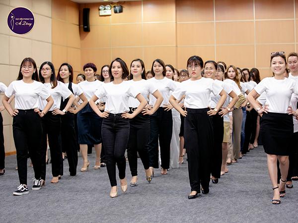 trai-nghiem-phong-thai-bi-mat-ngon-ngu-hinh-the-082020 - 04